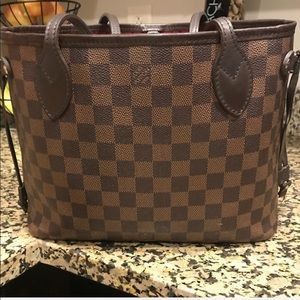 Louis Vuitton neverfull comes wristlet and box